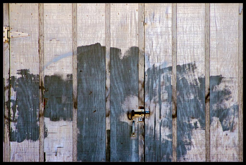 """Secure"" a photograph taken by Robert Santafede"