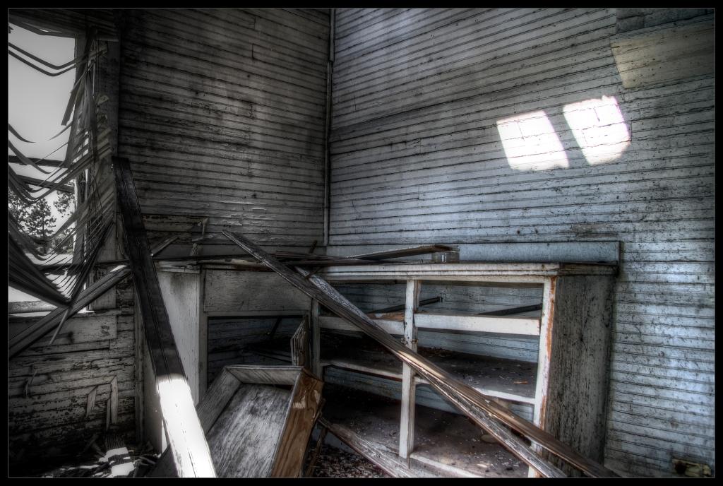 """""""Hollow"""", an urbex photo by Robert Santafede"""